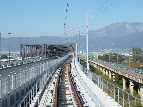 新村山橋線路軌道工事
